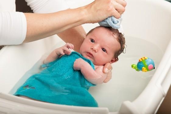 גזים לתינוק, איך לטפל בזגים אצל תינוקות